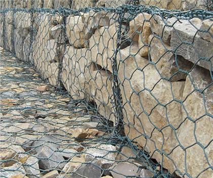 石笼网挡墙(图4)